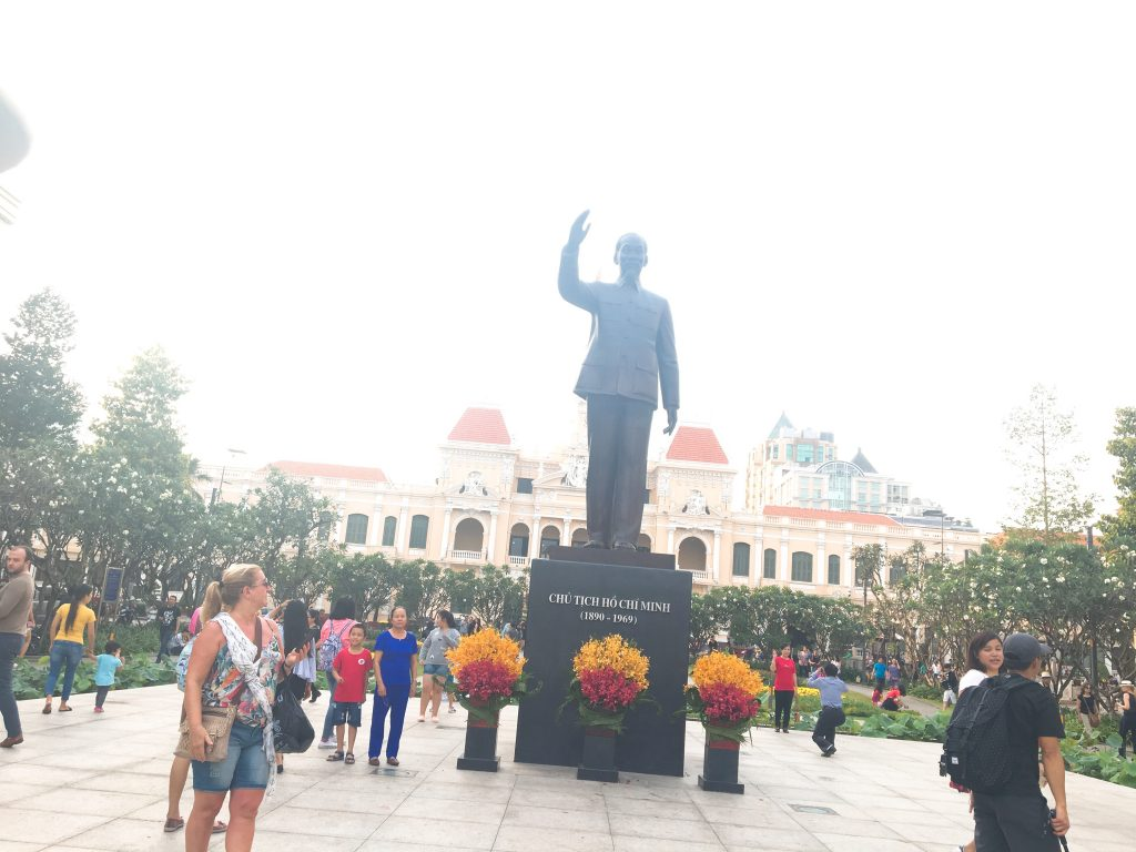 ホーチミンでベトナム美女になる!?憧れのアオザイ体験