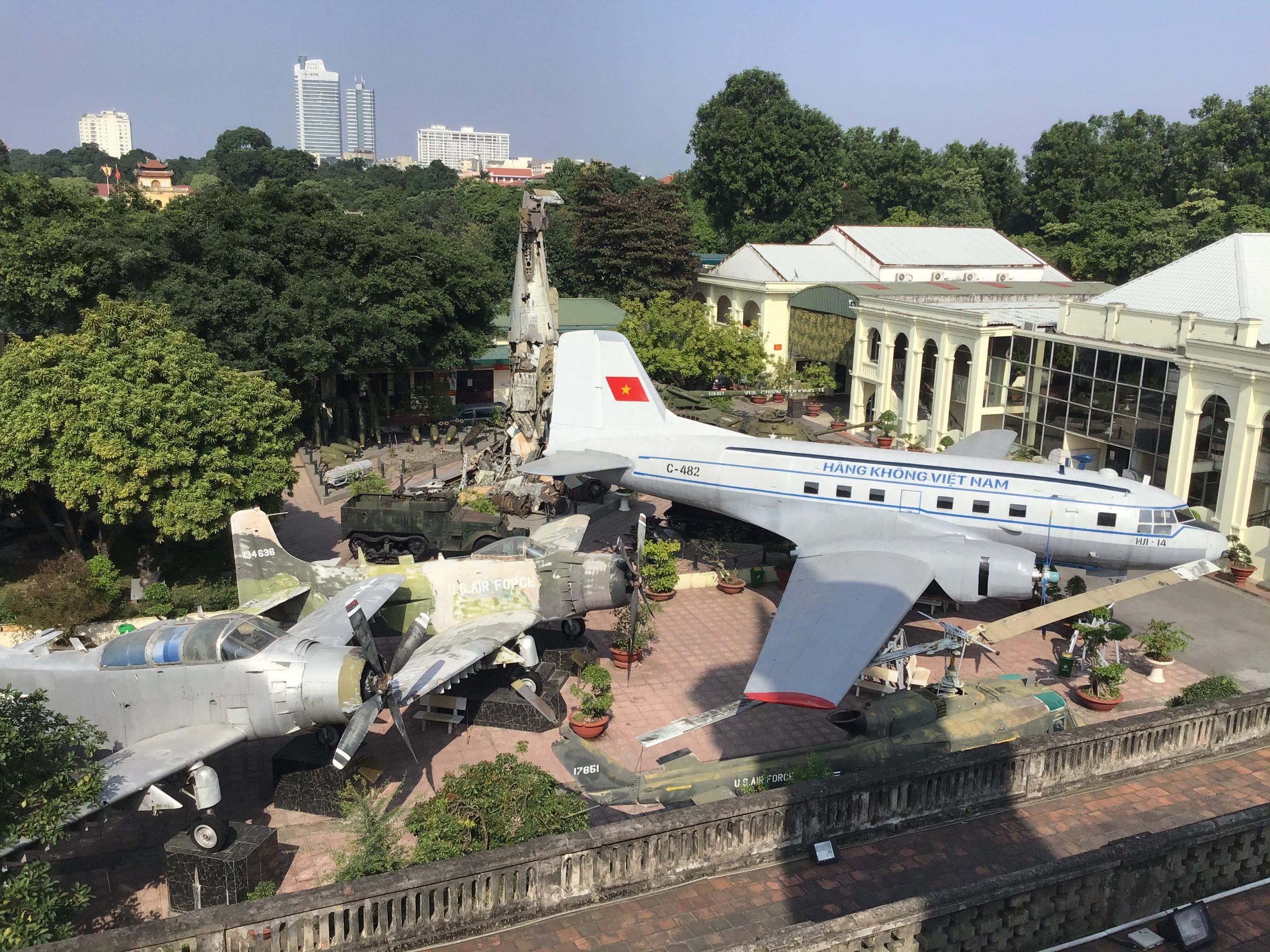 ベトナム軍地歴史博物館 野外展示   ハノイのおすすめ市内観光スポット30選!