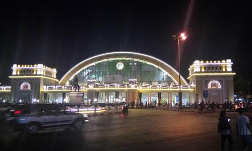 夜のフアランポーン駅 | キャリアリンク タイランド 東南アジアの就職・転職情報サイト